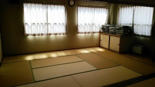 和室や会議室などさまざまなタイプの部屋があります。
